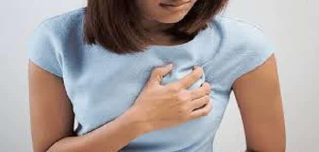 ما هي أسباب تحجر الثدي وما هو علاجه