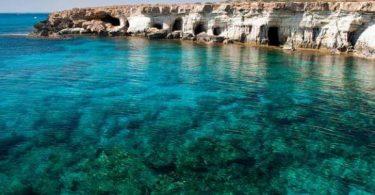 أين تقع قبرص وما هي عاصمتها