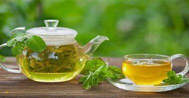 فوائد الشاي الأخضر على الريق وأضراره