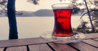 فوائد شرب الشاي الأحمر بدون سكر