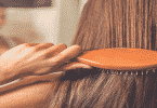 هل نقص الفيتامينات يؤدي إلى تساقط الشعر