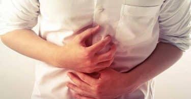 أسباب عسر الهضم وكيفية علاجه