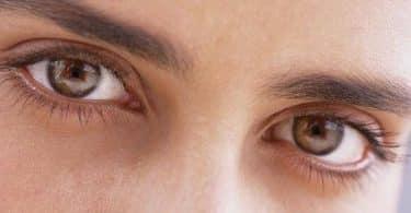 أعراض رعشة العين وعلاجها