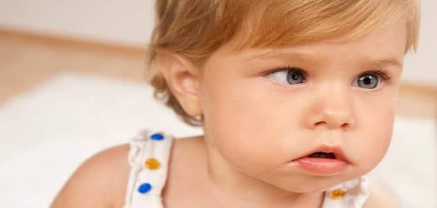 الحول عند الأطفال أسبابه وعلاجه