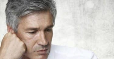 علاج الشعر الأبيض المبكر عند الشباب