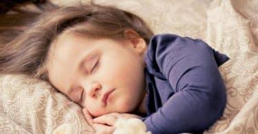 كيف أتخلص من الكلام أثناء النوم ؟