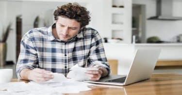 حاسبة المقابل المالي للمرافقين والوافدين