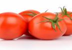 ما عدد السعرات الحرارية في الطماطم