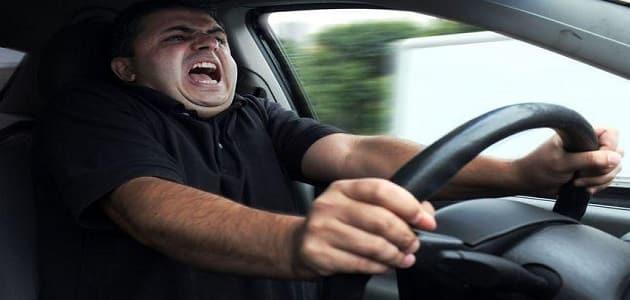 ما هي اسباب تنتيش السيارة اثناء السير