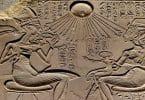 من هو أول ملك فرعوني امن بالتوحيد