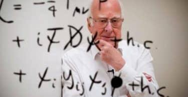 موضوع تعبير عن علماء الفيزياء كامل