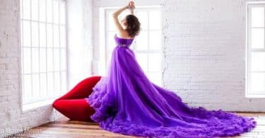 اللون البنفسجي في الملابس