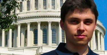 معلومات عن جاود كريم أحد مؤسسي اليوتيوب