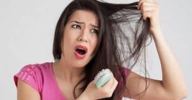 اسباب تساقط الشعر الشديد المفاجئ