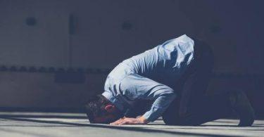 حكم تأخير الصلاة عن وقتها