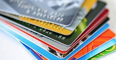 ما هي بطاقة الخصم المباشر في بنك القاهرة