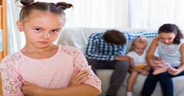 مشكلة الغيرة عند الاطفال وطرق حلها