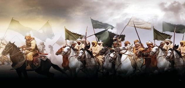 موضوع عن أول غزوة للرسول في الإسلام