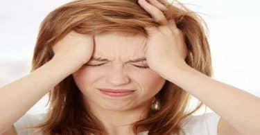 أسباب ألم وسط الرأس وطرق علاجه