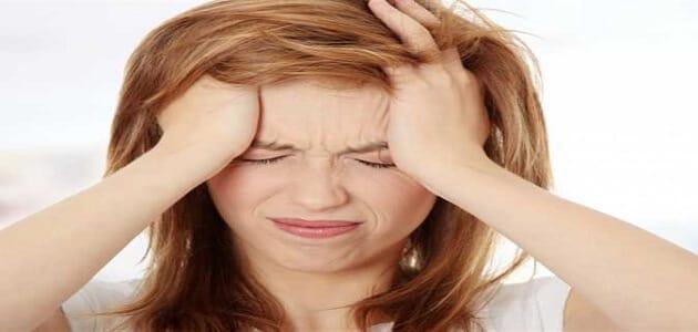 أسباب ألم وسط الرأس وطرق علاجه معلومة ثقافية