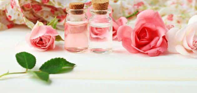 فوائد ماء الورد للرموش والحواجب