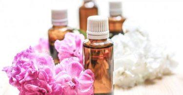 فوائد ماء الورد للشعر وكيفية استخدامه