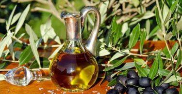 ما هي الفيتامينات في زيت الزيتون