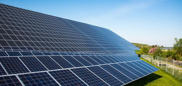 الالواح الشمسية لتوليد الكهرباء