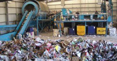 بحث عن حرق النفايات الطبية واضرارها على الصحة العامة