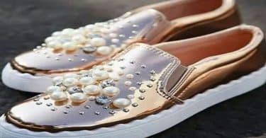 تفسير حلم رجل يعطيني حذاء