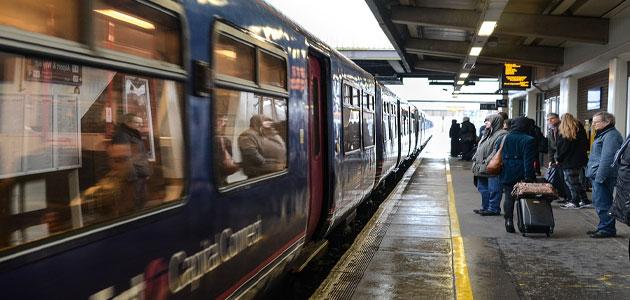 تفسير حلم ركوب القطار مع شخص اعرفه معلومة ثقافية