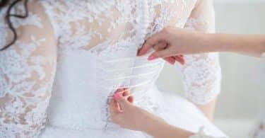 تفسير حلم لبس الفستان الأبيض بدون عريس