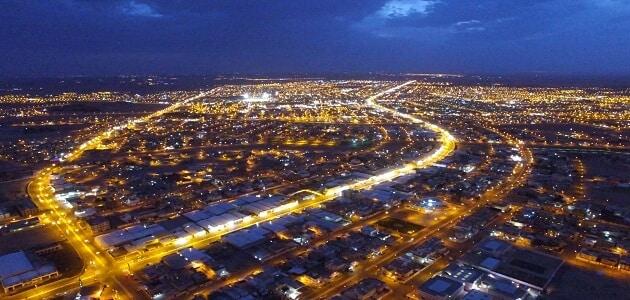 كم تبعد القصيم عن الرياض وما هي خصائص كل منهما