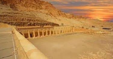 لماذا اختار الفراعنة وادي الملوك ليكون مقابر لهم؟