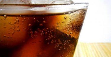 مشروبات تسبب مخاطر على صحة الأطفال