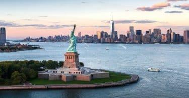 موضوع تعبير عن تمثال الحرية