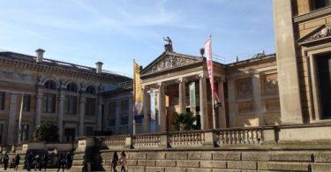 ما هو تاريخ وفكرة إنشاء المتاحف ومن هو أول متحف في التاريخ؟