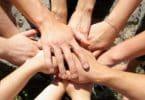 أنواع العمل التطوعي وفضله