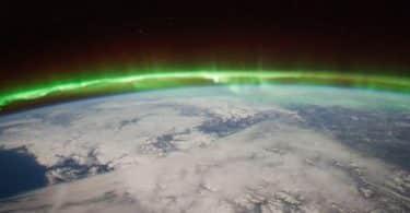 الغلاف الجوي واهميته لسطح الارض