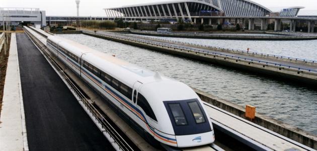 تفسير حلم عدم ركوب القطار وهو يسير