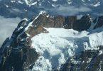 أين تقع جبال الأنديز وكم يبلغ حجمها؟