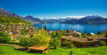 اللغة الرسمية لسويسرا؟