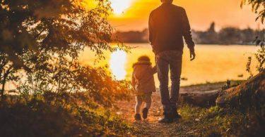 بوستات حزينة عن فراق الأب