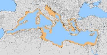 كم عدد الدول العربية التي تطل على البحر الأبيض المتوسط؟