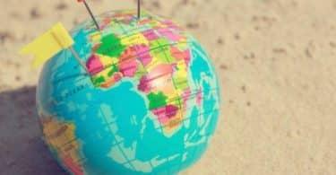 ما هي دولة تقع في وسط إفريقيا؟