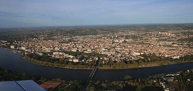 ما هي عاصمة فرنسا قديما؟