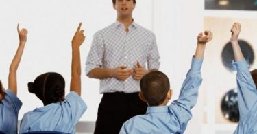 موضوع تعبير عن المدرسة والمعلم