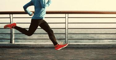 تفسير حلم الجري والهروب من شخص
