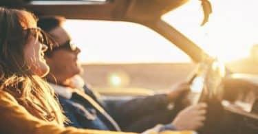 تفسير حلم ركوب السيارة في المقعد الأمامي للعزباء وللمطلقة
