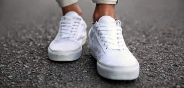 تفسير رؤية الحذاء الرياضي الأبيض في المنام